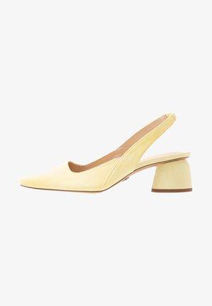JUSTIFY SLING COURT - Classic heels - lemon