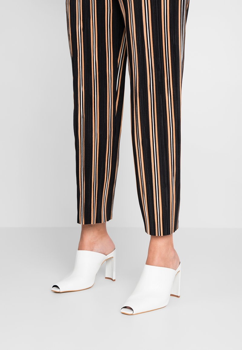 Topshop - GENEVA PEEP TOE MULE - Pantolette hoch - white