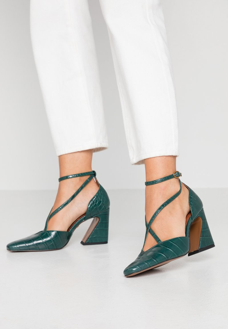 Topshop - GHOST X FRONT COURT - Classic heels - forest
