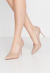 Topshop - FREYA COURT SHOE - Zapatos altos - nude - 0