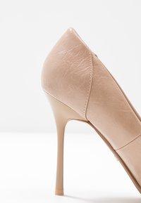 Topshop - FREYA COURT SHOE - Zapatos altos - nude - 2