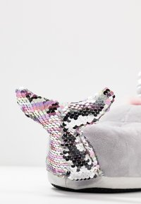 Topshop - NARWHALE HOUSE SLIPPERS - Pantoffels - grey - 7