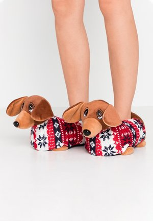 SAUSAGE DOG SLIPPERS - Kapcie - brown