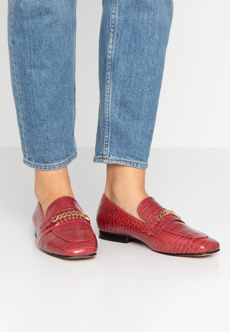 Topshop - LORENZO TOE LOAFER - Slip-ons - red