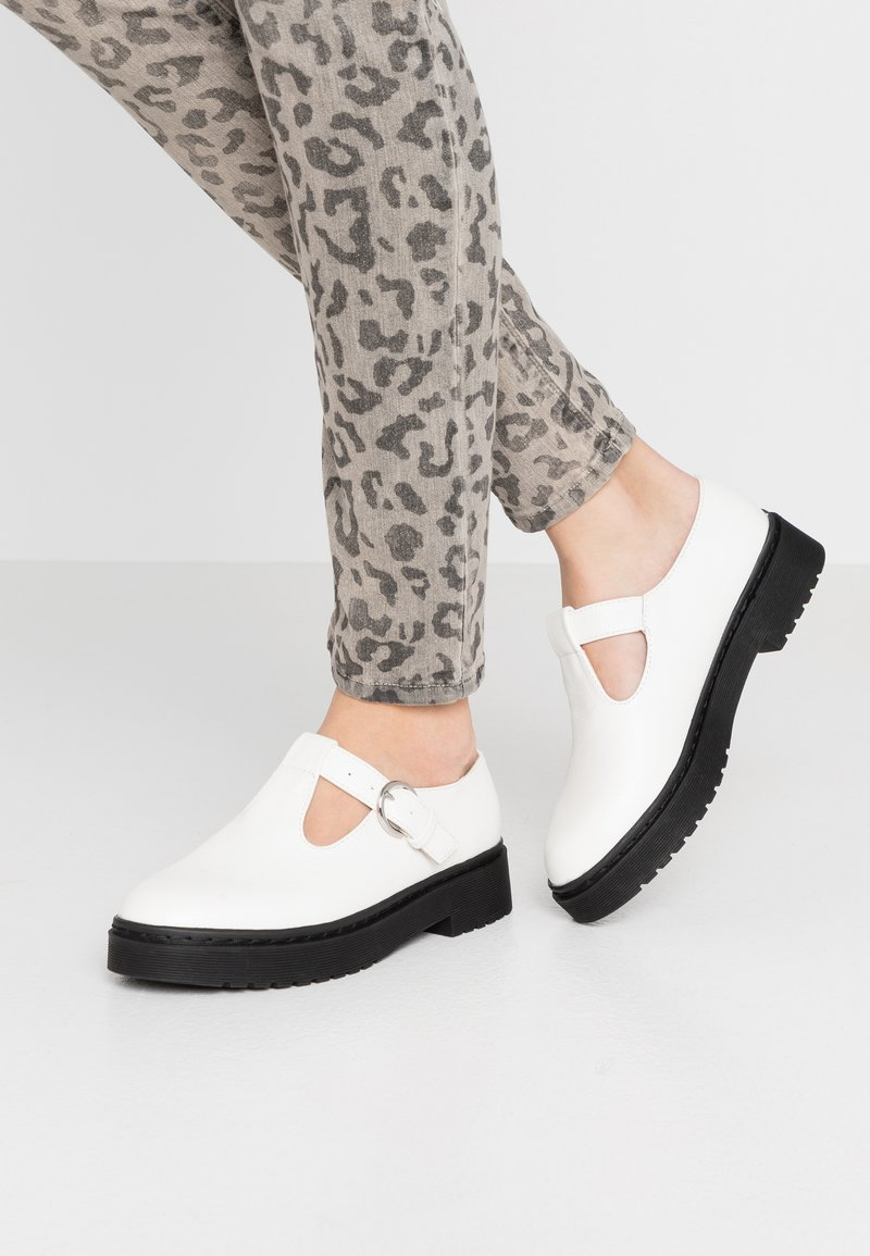 Topshop - ACE CHUNKY MARY JANE - Mocasines - white