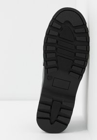 Topshop - AXEL CHUNKY BUCKLE - Mocasines - black
