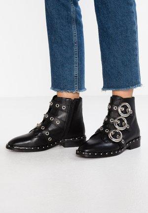 ARTHUR - Cowboy/biker ankle boot - black