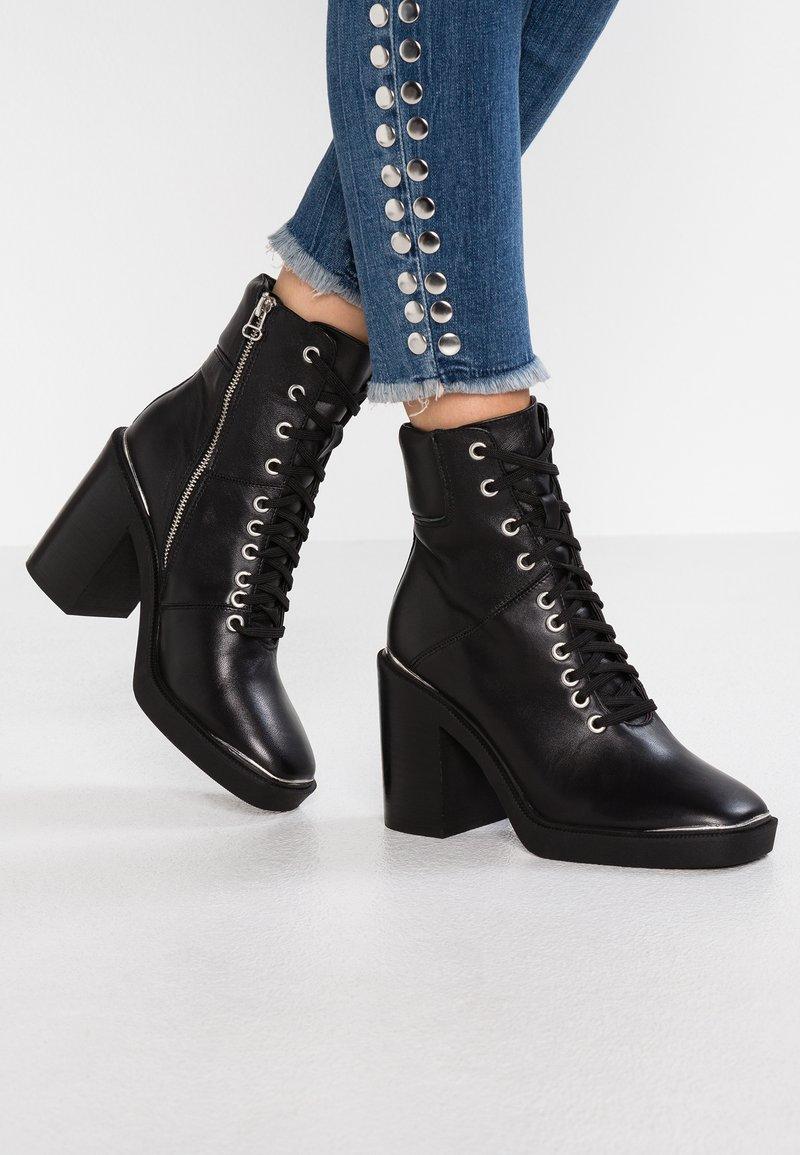 Topshop - HIKE - Kotníková obuv na vysokém podpatku - black