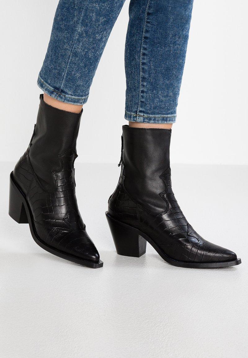 Topshop - MARCEL - Cowboy/biker ankle boot - black