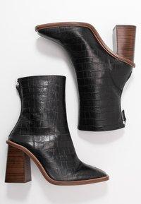 Topshop - HERTFORD BOOT - Kotníková obuv na vysokém podpatku - black - 3