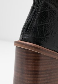 Topshop - HERTFORD BOOT - Kotníková obuv na vysokém podpatku - black - 2