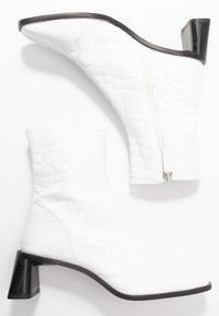 Topshop - MAJA MID BOOT - Classic ankle boots - white - 3