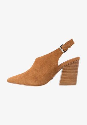 GOJI SLINGBACK WESTERN - High Heel Stiefelette - tan