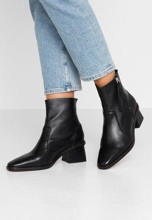MARGOT MID BOOT - Stiefelette - black