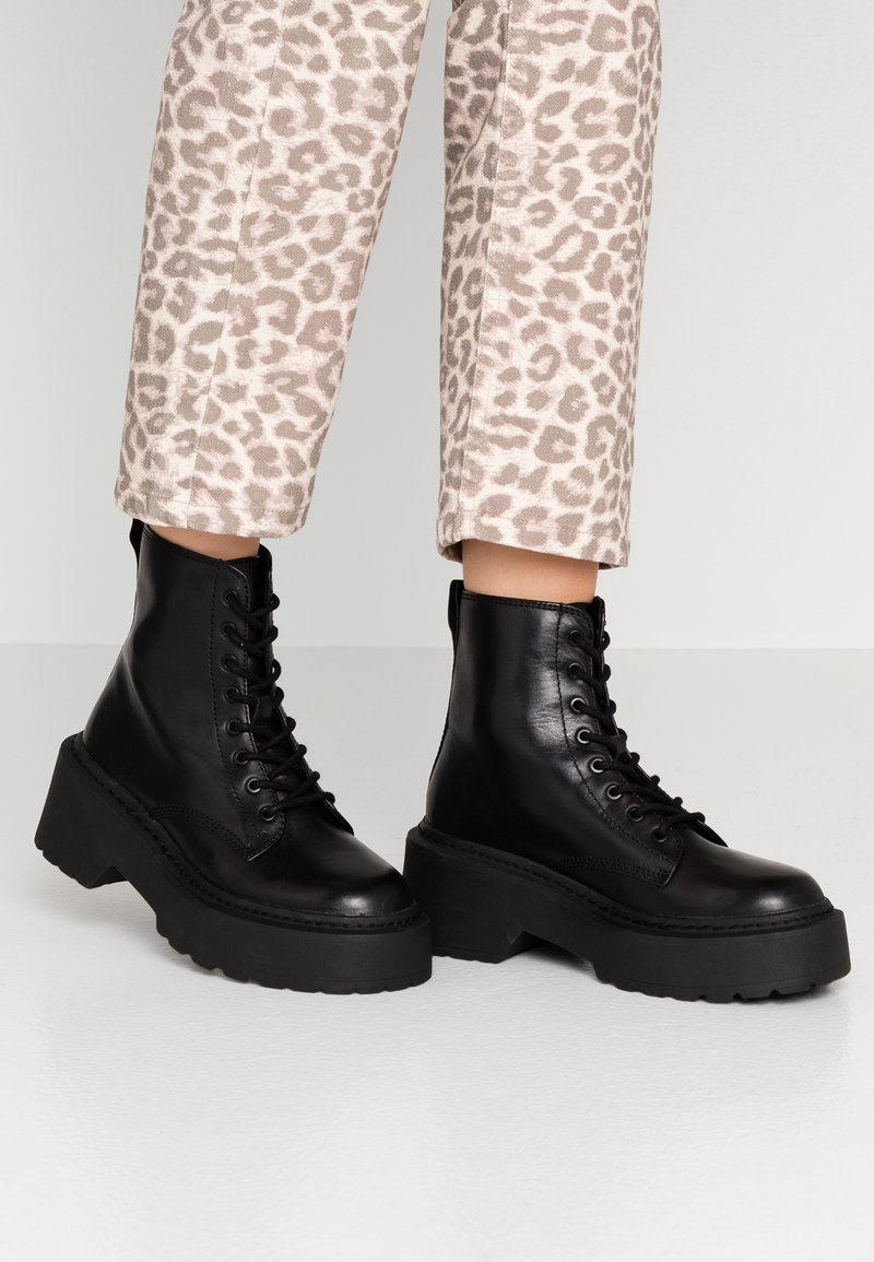 Topshop - AUSTIN LACE UP BOOT - Enkellaarsjes met plateauzool - black