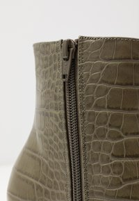 Topshop - MACI POINT BOOT - Ankle boots - khaki - 2