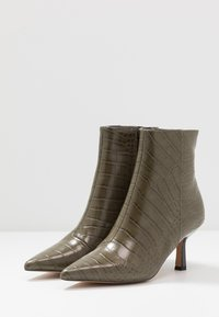 Topshop - MACI POINT BOOT - Ankle boots - khaki - 4