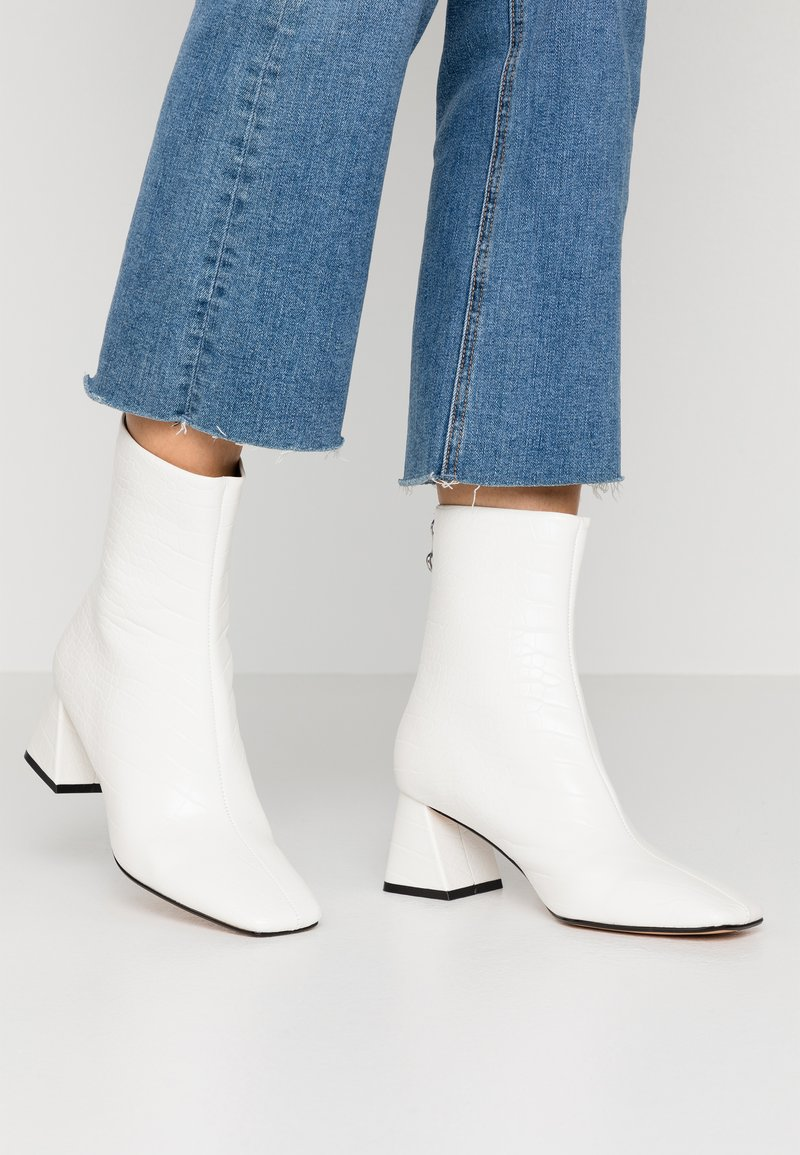 Topshop - BREEZE SQUARE TOE  - Classic ankle boots - white