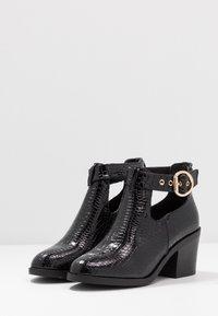 Topshop - BIANCA BUCKLE UNIT - Ankle Boot - black - 4