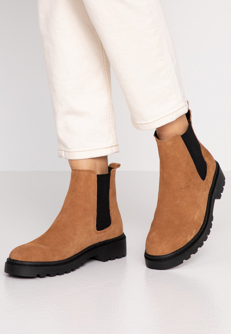 Topshop - BRAMBLE CHELSEA BOOT - Classic ankle boots - tan