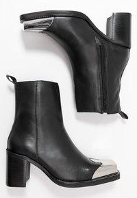 Topshop - MARSHAL WESTERN BOOT - Kovbojské/motorkářské boty - black - 3