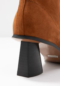 Topshop - MAILE POINT BOOT - Classic ankle boots - tan - 2