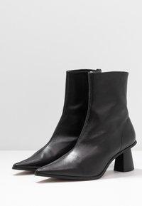 Topshop - MAILE POINT BOOT - Korte laarzen - black - 4