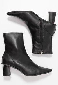 Topshop - MAILE POINT BOOT - Korte laarzen - black - 3