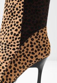 Topshop - HOLLY POINT BOOT - Kotníková obuv na vysokém podpatku - multicolor - 2