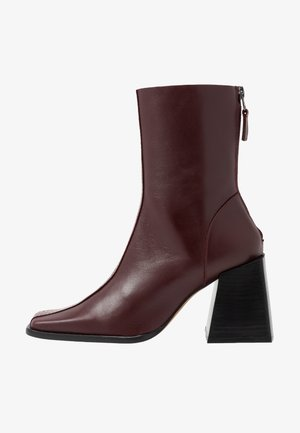 HADES BOOT - Classic ankle boots - red