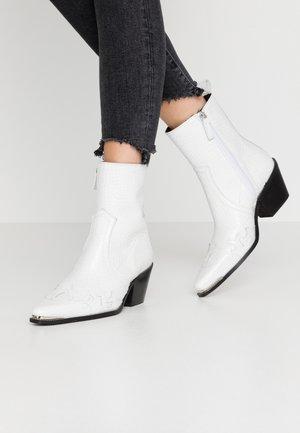 MALTA WESTERN BOOT - Kovbojské/motorkářské boty - white