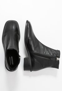 Topshop - ARROW  BOOT - Classic ankle boots - black - 3