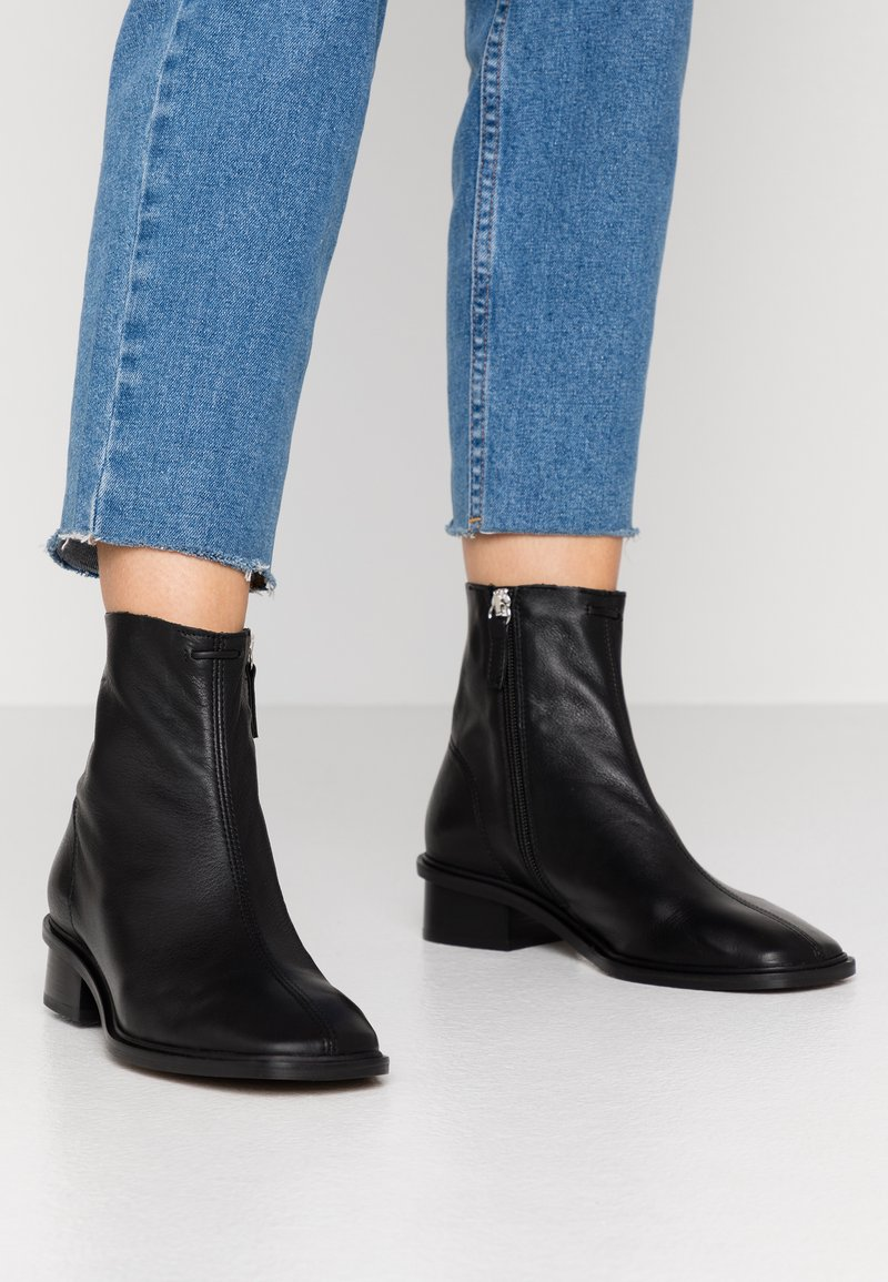Topshop - ARROW  BOOT - Classic ankle boots - black