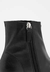 Topshop - ARROW  BOOT - Classic ankle boots - black - 2