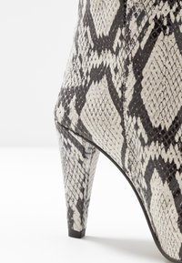 Topshop - VEGAN VILLA BOOT - High heeled ankle boots - natural - 2