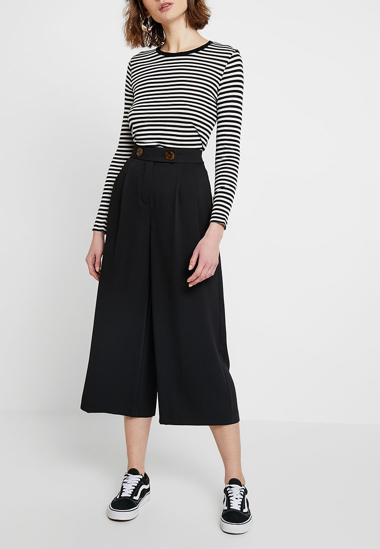 Topshop - RITA CROP WIDE - Stoffhose - black