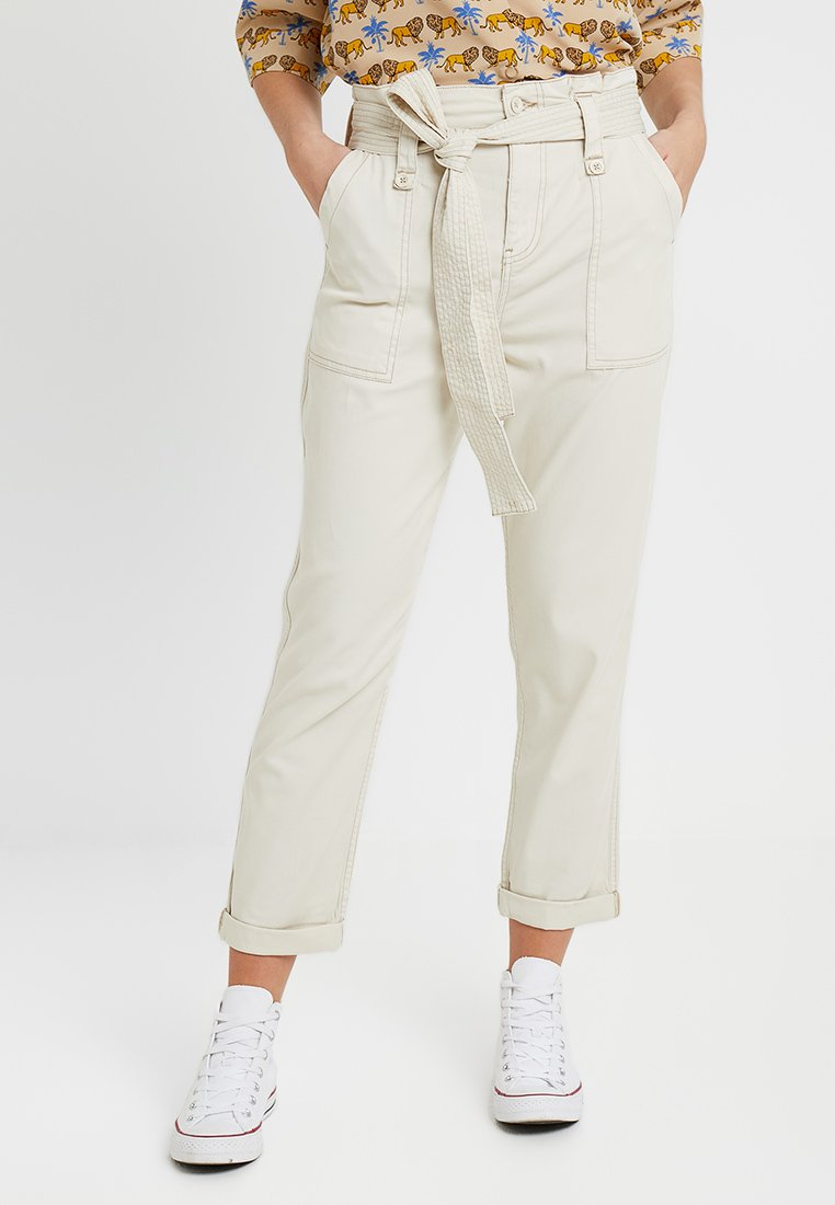 Topshop - RORY BELTED UTILITY - Stoffhose - ecru