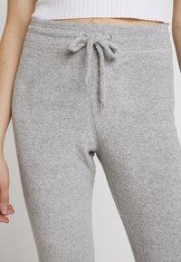 Topshop - TOWELLING JEGGER - Teplákové kalhoty - grey - 4