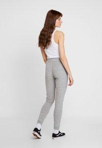 Topshop - TOWELLING JEGGER - Teplákové kalhoty - grey - 2