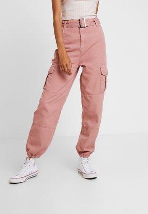 EYELET UTILITY - Kalhoty - pink