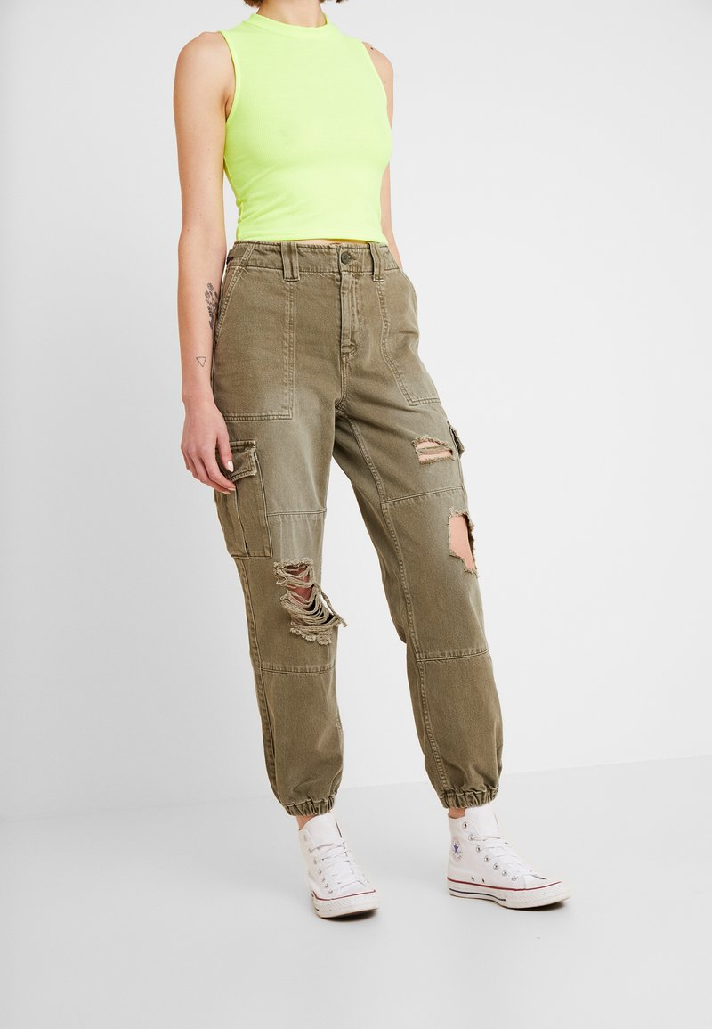 Topshop - REMI UTILITY - Relaxed fit jeans - khaki