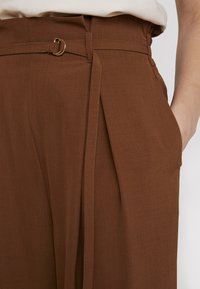 Topshop - JINGLE WIDE TROUSER - Trousers - brown - 6