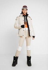 Topshop - SNO ALDRIN - Pantaloni - tan/white - 1