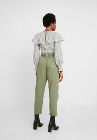 Topshop - NATALIE UTILITY - Trousers - khaki - 3