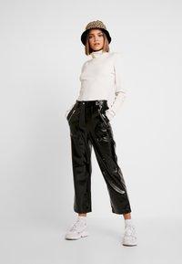Topshop - STRAIGHT LEG - Pantaloni - black - 2