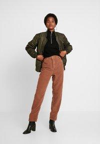 Topshop - TEDDY BALLOON - Kalhoty - browm - 2
