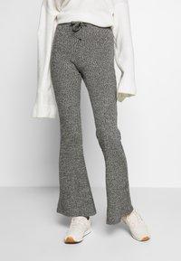 Topshop - TIE RIB MARL FLARE - Kalhoty - charcoal - 0