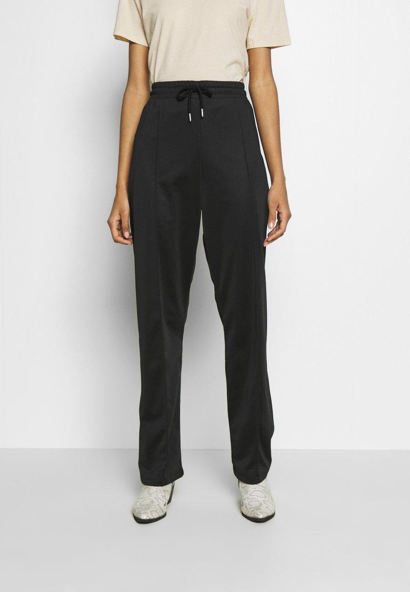 Topshop - SLIM STRAIGHT JOGGER - Pantalones deportivos - black