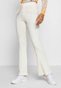 Topshop - UP FLARE - Kalhoty - off white - 0