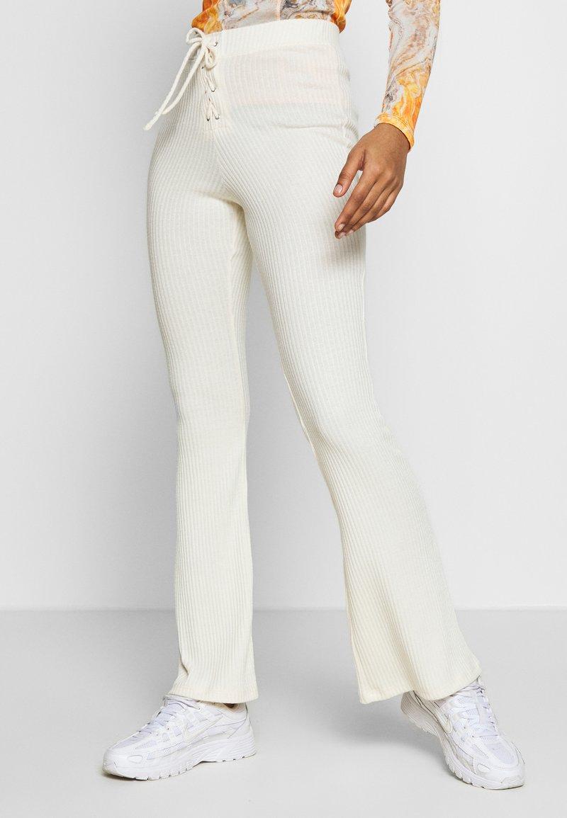 Topshop - UP FLARE - Kalhoty - off white